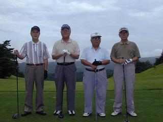 毎年出場の最年長組 魚中卒の4人組