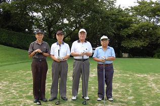毎年出場の最年長組 魚中卒の4人