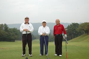 毎年出場の最年長 魚中卒の2人(左・中)
